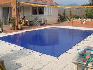 Cobertores de piscina for Cobertores de piscinas precios